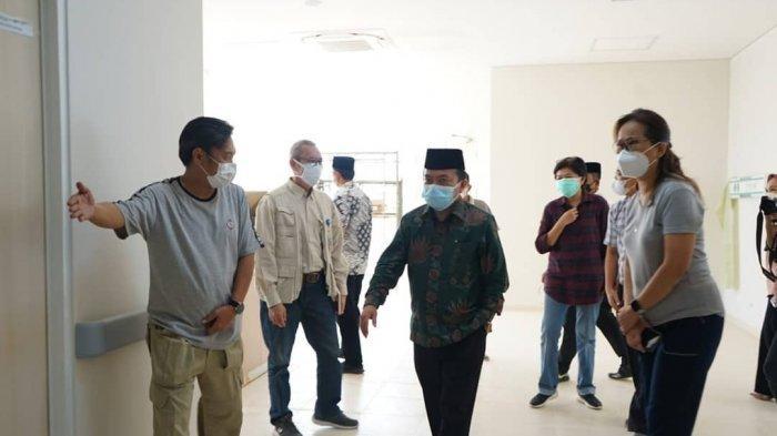 Gubernur Jambi Jambi Dr Al Haris S.Sos, MH mengunjungi beberapa RS swasta di Provinsi Jambi yaitu RS Theresia II, RS Mitra dan RS Kambang, Minggu (25/7/2021).