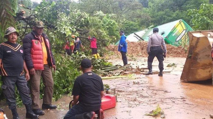 1 Orang Tewas dan 4 Orang Luka-luka, Korban Longsor di Sitinjau Lauik Padang