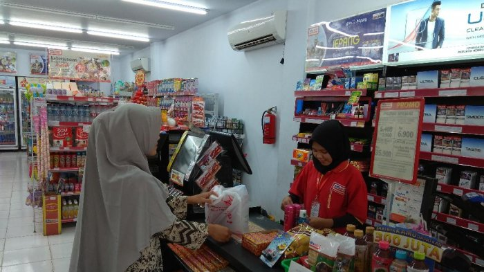 Promo Alfamart Hari Ini 17 April 2021 Harga Spesial Diapers Sampo Tepung Detergen Minyak Goreng