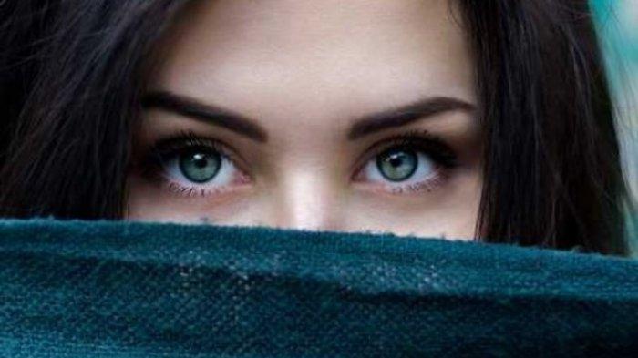 Wanita Banyak Tidak Tahu, Ini Hukumnya Jika Menggunakan Pensil Alis, Apa Lagi Menghilangkan Alis