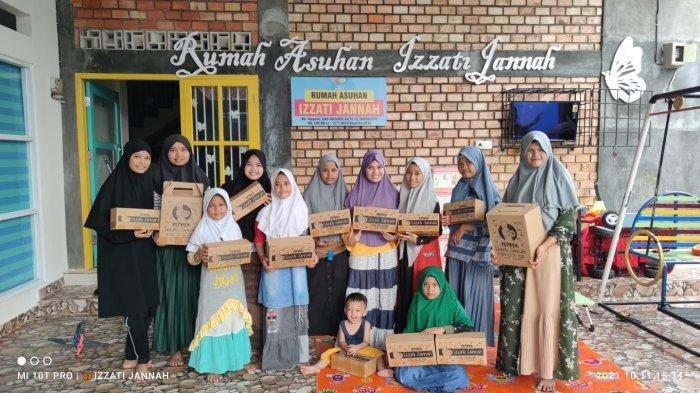 UMKM Jambi, Keuntungan Jual Pempek Untuk Biaya Rumah Asuh Anak Yatim dan Dhuafa Izzati Jannah
