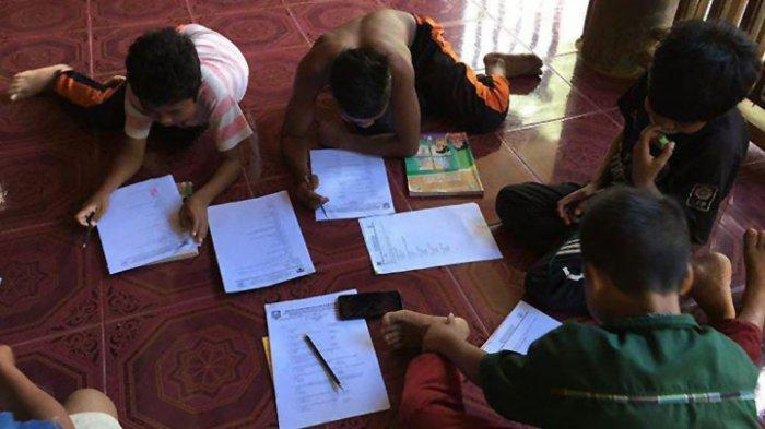 Melihat Anak Rimba Mengikuti Ujian Kenaikan Kelas di Tengah Pandemi Covid-19