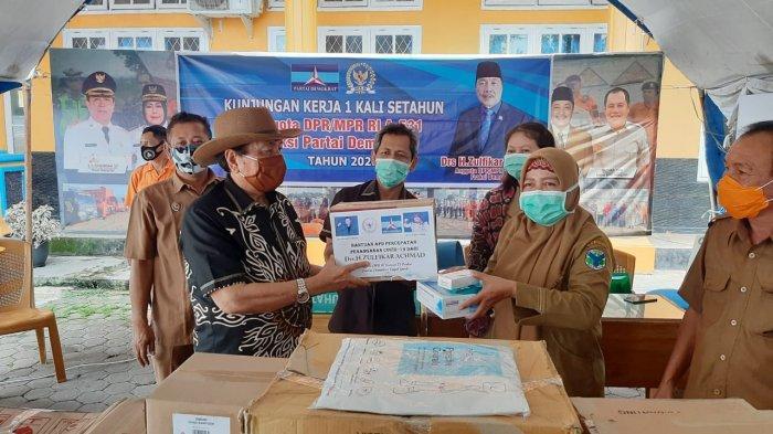 Anggota DPR RI Zulfikar Achmad Berikan Bantuan APD ke Batanghari