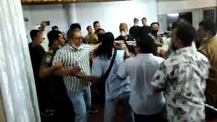 Bahas Soal PETI, Anggota DPRD Bungo Nyaris Baku Hantam dengan Warga