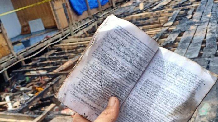 Pasca Kebakaran di Tanjabtim, Surat Yasin dan Kaligrafi Nama Allah dan Nabi Muhammad Ditemukan Utuh