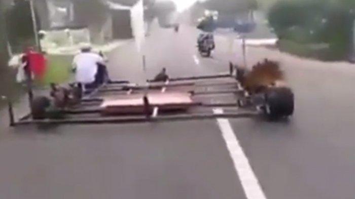 VIDEO Viral Motor Vespa Gembel Modifikasi Ekstrem Sampai Separuh Ruas Jalan, Netizen: Melebihi Akal
