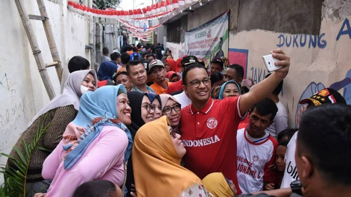 Anies Baswedan Punya Ide Buat Jersey Persija Jadi Baju Dinas, Ini Tanggapan PNS Pemprov DKI Jakarta