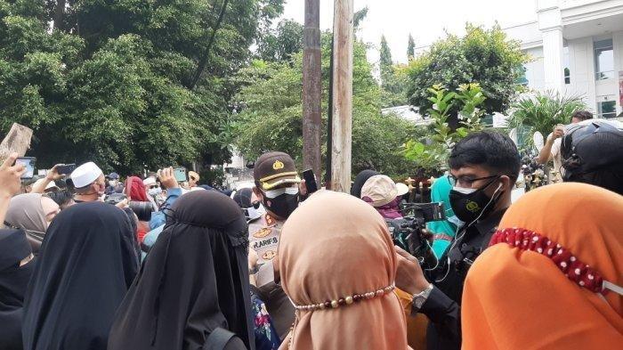 Hari Ini Sidang Putusan Praperadilan Rizieq Shihab, 33 Remaja Simpatisan HRS Diamankan Polisi