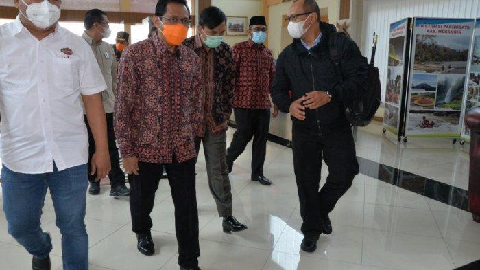 Pjs Gubernur Ardy Daud sambut kedatangan Kapolda Jambi Irjen Albertus Rachmad Wibowo