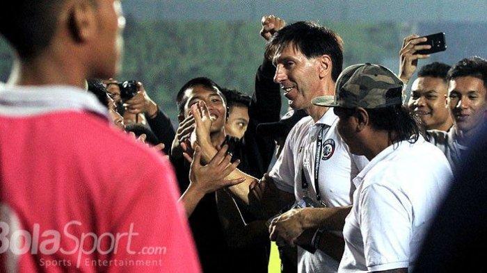 Arema FC Optimis Menang Lawan Perseru Serui