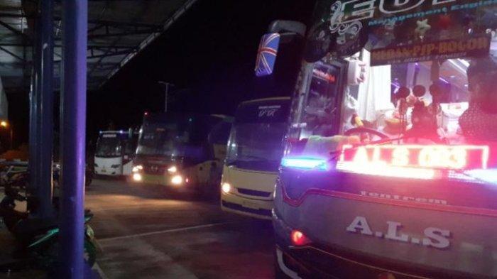 Mulai Ramai, Lonjakan Arus Mudik di Terminal Sri Bulan Sarolangun, di Malam Hari Dipadati Pemudik