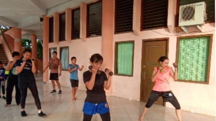Atlet Wushu Jambi saat latihan. Atlet Wushi Jambi bakal ikut berlaga di PON XX Papua.