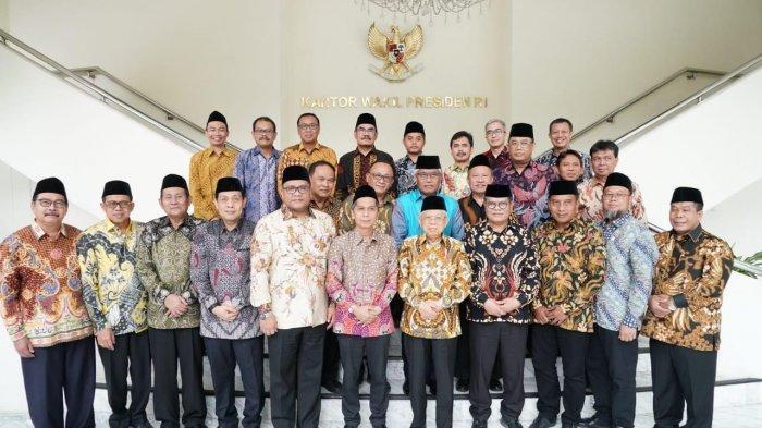 Prof. H. Sutrisno Hadiri Audiensi Forum Rektor Dengan Wakil Presiden Republik Indonesia