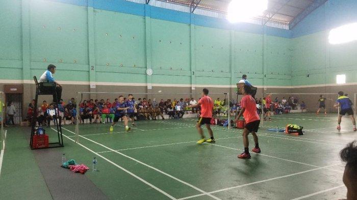 Perebutkan Piala Bupati Kerinci Tim Kepala Desa Keok Dihajar Tim Pejabat Dinas PMD