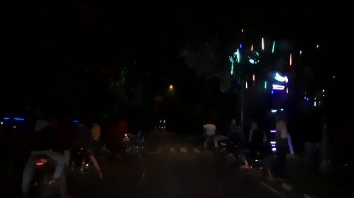 Balap liar yang terjadi di depan Kantor Bupati Bungo, warga resah dengan aksi balap liar tersebut, Minggu (27/9/2020)