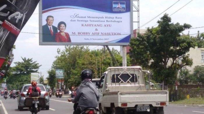 Wah, Lewat Baliho Besar SBY Ucapkan Selamat Pernikahan Putri Jokowi