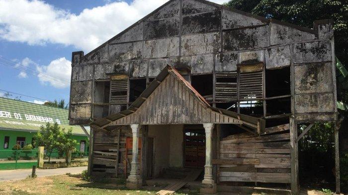 Bangunan Kolonial Belanda di Muara Tembesi Hampir Amblas ke Sungai, Ini Kata Akademisi