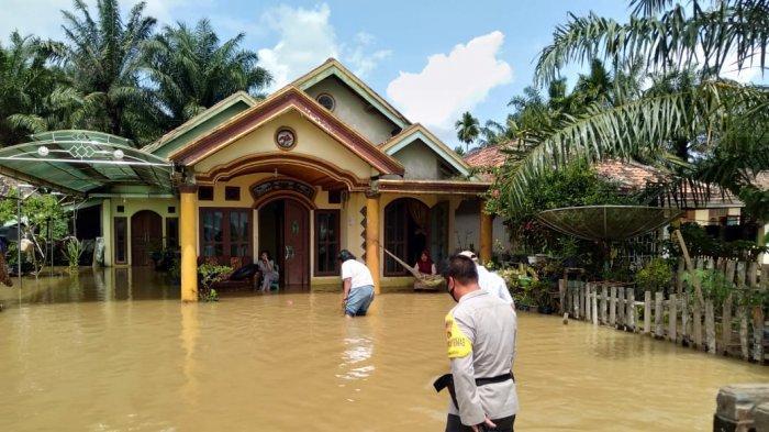 389 Rumah Terdampak Banjir di Desa Pulau Kayu Aro Muarojambi, Air Masuk Sampai Setinggi 1 Meter