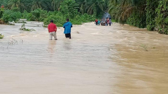 BREAKING NEWS Ruas Jalan Lantak Seribu Kebanjiran, Hujan Deras di Merangin