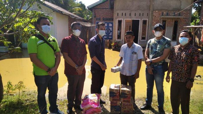 Banjir di Sarolangun, Kejari Sarolangun Berikan Bantuan Sembako