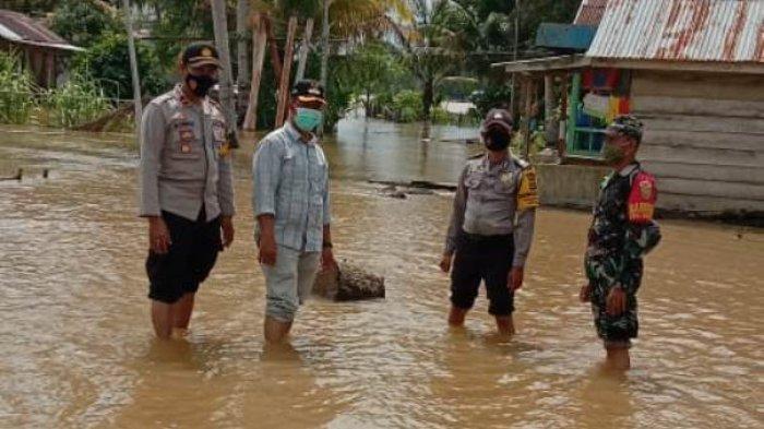 167 Rumah Di Kecamatan Berbak Mulai Terdampak Banjir, Warga Takut Tinggalkan Rumah