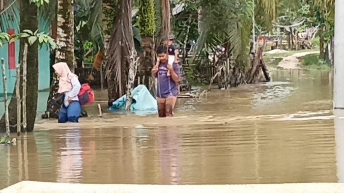 Puluhan Rumah di Gunung Kembang Sarolangun Terendam Banjir, Ini Penyebabnya