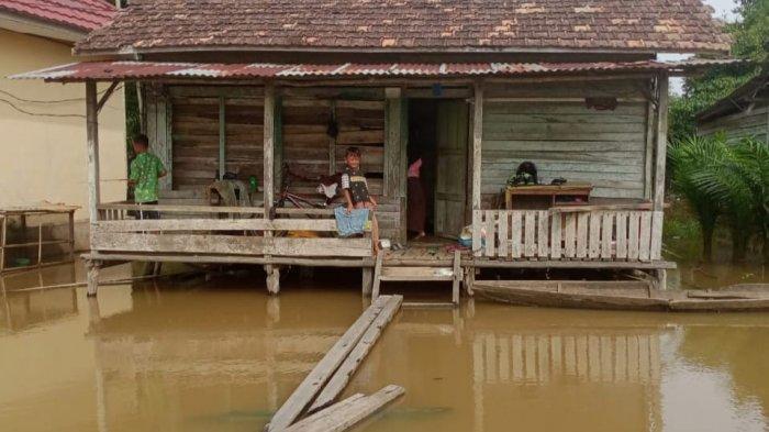 Ada Permukiman di Muarojambi Terisolir Akibat Banjir