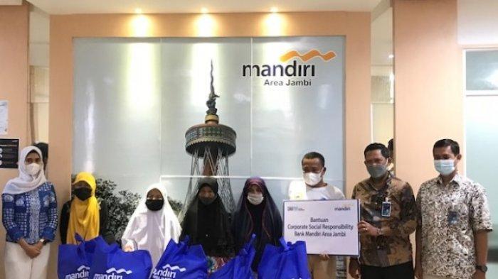 Keberkahan Ramadhan Berlanjut, Bank Mandiri Distribusi Paket Sembako ke Lansia, Disabilitas & Napza
