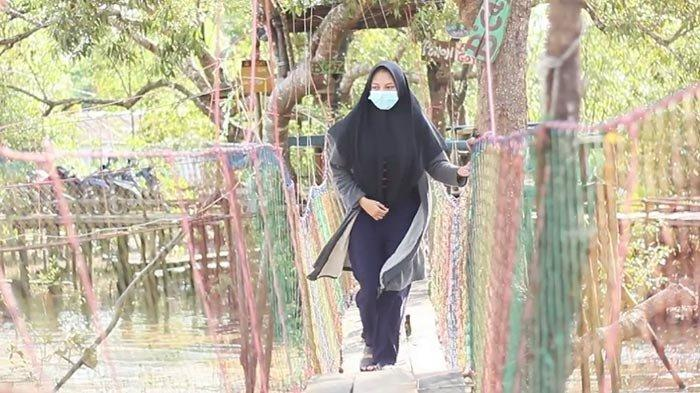 Menikmati Kampung Laut Destinasi Wisata Bahari Keren di Tanjabtim Jambi