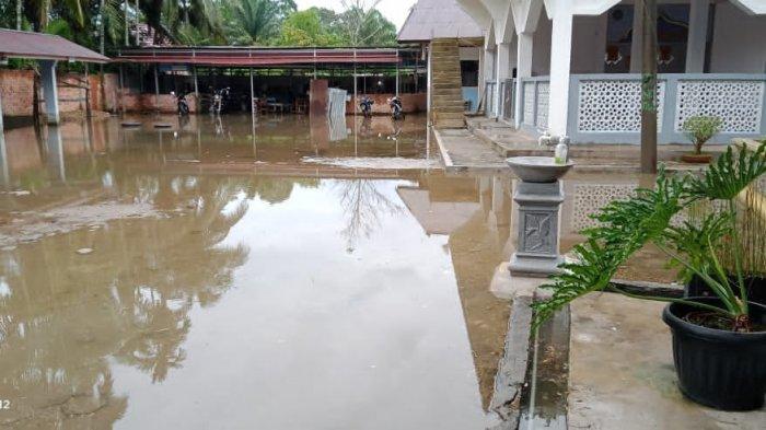 Ruang Belajar Siswa SMAN 2 Muarojambi Kerap Terendam Banjir Pasca Hujan Deras