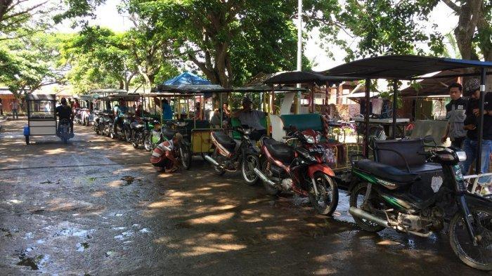 Lokasi pangkalan becak motor di Jalan Candi Muaro Jambi RT 02 Desa Muarajambi, atau bertepatan di lokasi parkir mobil pengunjung, Jumat (11/9/2020).