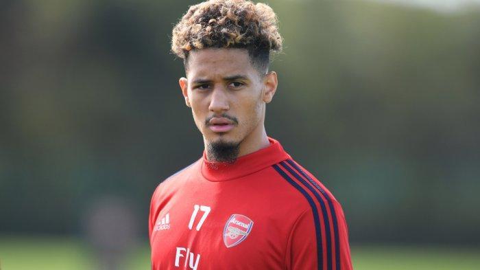 Bek Arsenal William Saliba