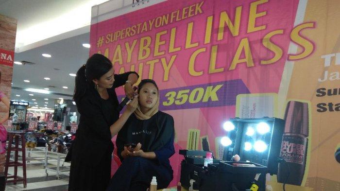 Belanja Rp300 Ribu, Langsung Bisa Belajar Make Up Maybelline Beauty Class di Trona JPM