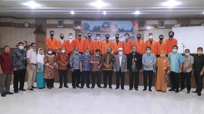 Rektor Prof H Sutrisno Lantik Ketua dan Wakil Ketua BEM Unja
