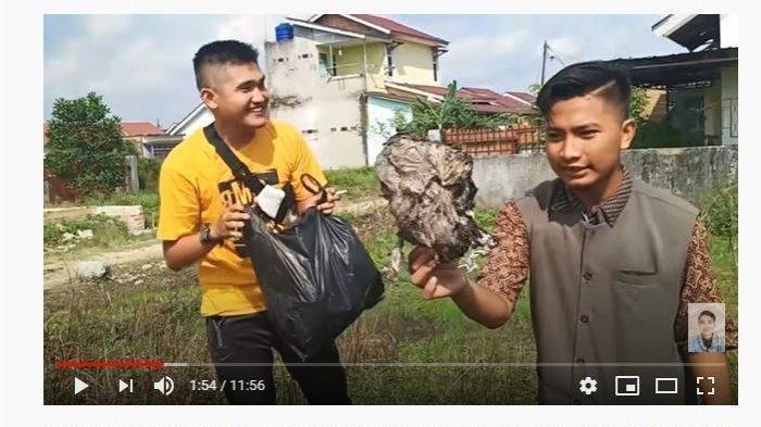 Prank Bungkusan Daging Kurban Isi Sampah, Tindakan Youtuber Edo Putra Tuai Tak Sopan