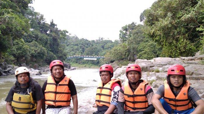 Tak Hanya Arum Jeram, Air Batu River Juga Punya Paket Wisata Alam Sungai Batang Merangin