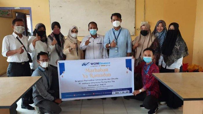 Berkah Bulan Ramadhan, WOM Finance Bagikan Bingkisan Ramadhan kepada Janda dan Dhuafa