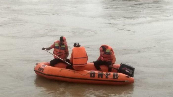 Warga Tebo Tengah Yang Tenggelam di Sungai Batang Tebo Belum Ditemukan
