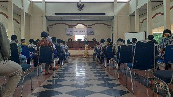 BPJS Kesehatan Jambi bersama Anggota Komisi IX DPR RI Menyelenggarakan Sosialisasi Program JKN-KIS