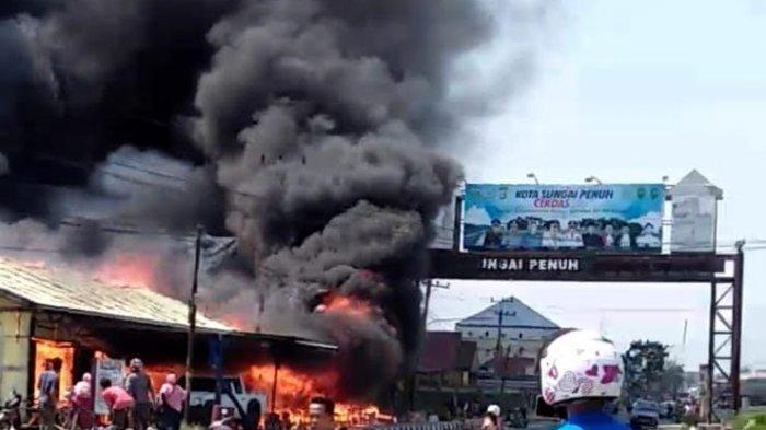 BREAKING NEWS, Kebakaran di Desa Koto Lolo, Sungai Penuh, Sejumlah Kios Terbakar, Ini Penampakannya