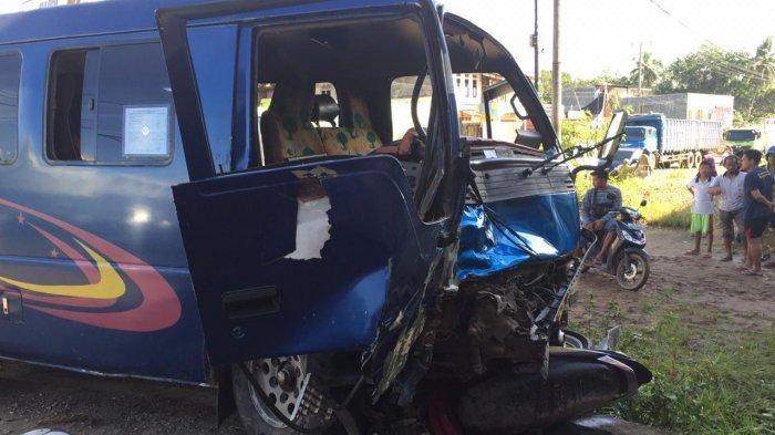 BREAKING NEWS, Kecelakaan di Pondok Meja, Mini Bus Tabrak Sepeda Motor, 2 Orang Meninggal Ditempat