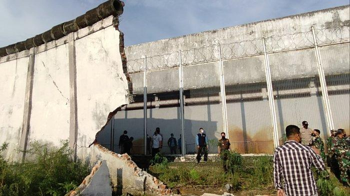 BREAKING NEWS Tembok Lapas Kelas IIB Sarolangun Rubuh