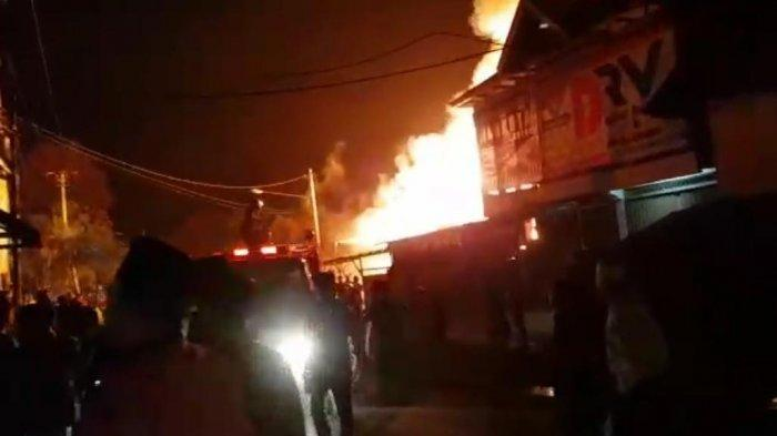 BREAKING NEWS, Terjadi Kebakaran di Pemukiman Padat di Dusun Baru, Kota Sungai Penuh