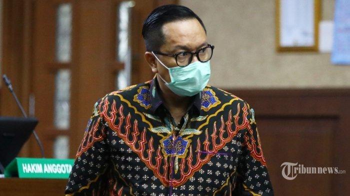 Terdakwa kasus suap penghapusan red notice Djoko Tjandra, Brigjen Pol Prasetijo Utomo menjalani sidang dakwaan di Pengadilan Tipikor, Jakarta Pusat, Senin (2/11/2020).