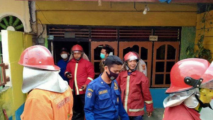 Bubungan Rumah Terbakar di Budiman Jambi Timur, Ini Dugaan Sementara Penyebabnya