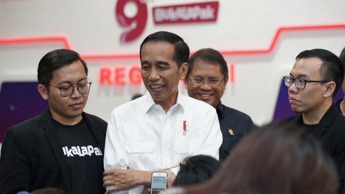 Jokowi Kerap Jadi Korban Fitnah, Ayah Angkat Minta Hentikan Meski Tak Pilih Jokowi