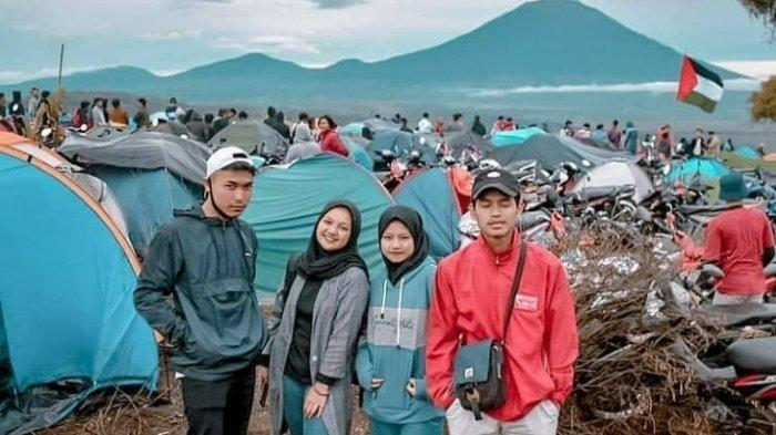 Camping di Bukit Tirai Embun Kerinci, Lihat Surga Tersembunyiyang Saat Ini Sedang Viral