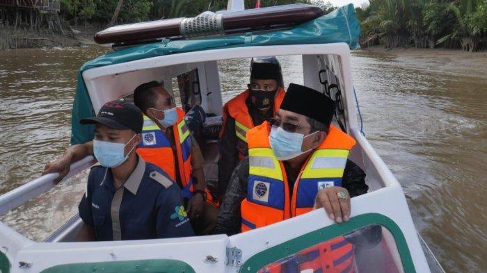 Bupati Kabupaten Tanjung Jabung Barat Anwar Sadat Meluncurkan Ambulance Air