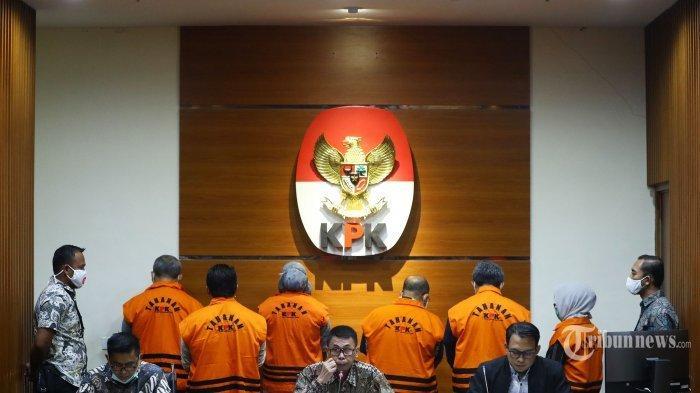 Saat Ditangkap, Bupati Ismunandar Bawa Buku Tabungan Saldonya Rp 4,8 Miliar, KPK Telisik Aliran Dana