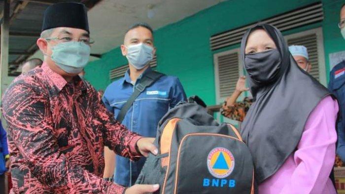 Bupati Tanjab Barat Bantu Korban Kebakaran di Tungkal Ilir dan Suak Samin
